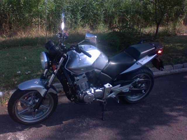 """""""A2"""" - Honda CBF 500 motorkerékpár - Kis Autósiskola - Békés - AM, A1, A2, A, B kategória"""