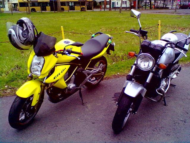 Honda és Kawasaki motorkerékpár - Kis Autósiskola - Békés - AM, A1, A2, A, B kategória